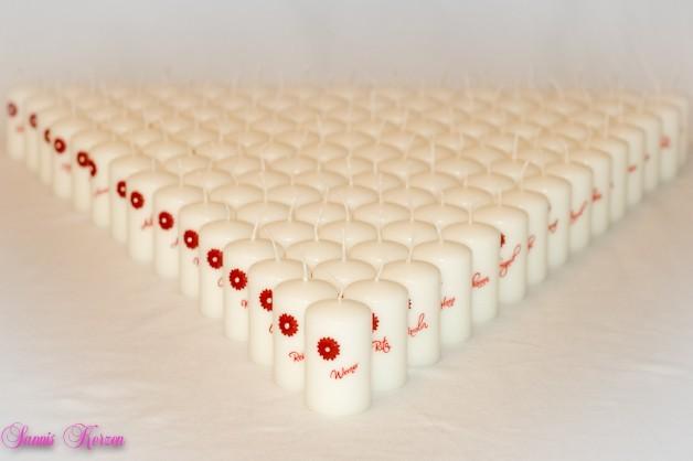 Gästekerzen Gerberas in der Farbe ivory  für nur  4,90€