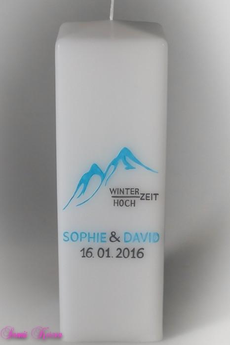 """Hochzeitskerze """"Winter in den Bergen"""" viereckig groß in der Farbe weiß  für nur  42,00€"""