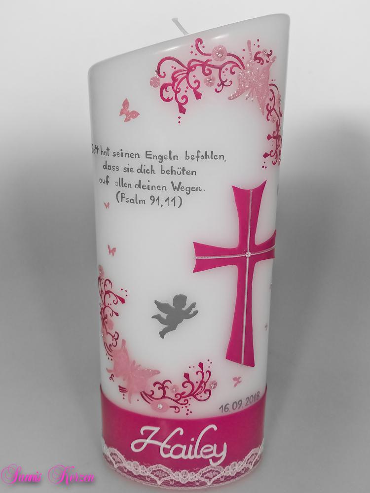 """Taufkerze """"Glitzernde Schmetterlinge"""" mit Spruch oval abg. in der Farbe weiß  für nur 59,00€"""
