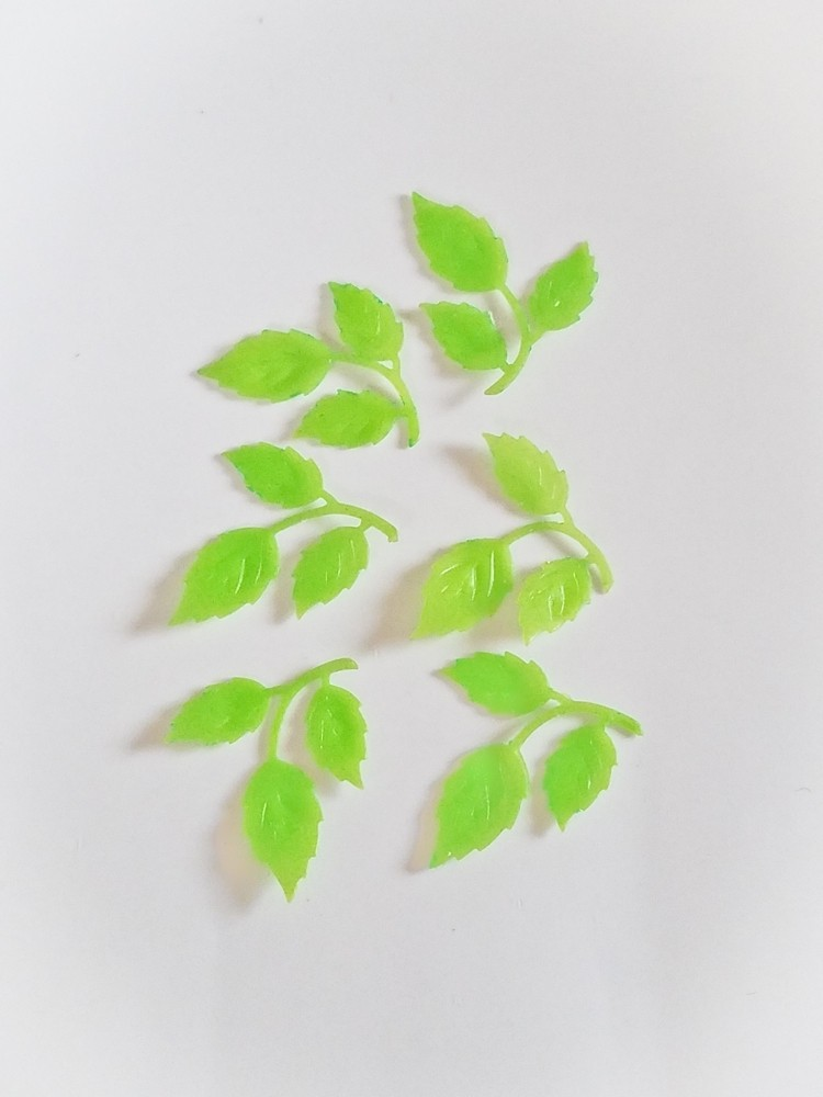 6 Wachs-Zweige Blätter mit Struktur für nur 6,00€