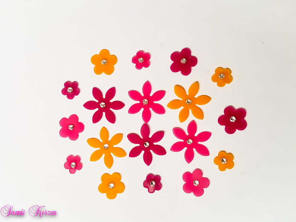 /freie Farbwahl 18 Strass Wachs-Blüten 3 Farben Mix für nur 7,20€