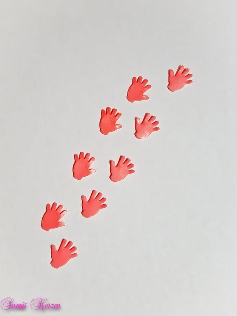 freie Farbwahl Wachs-Hände für nur  1,60€