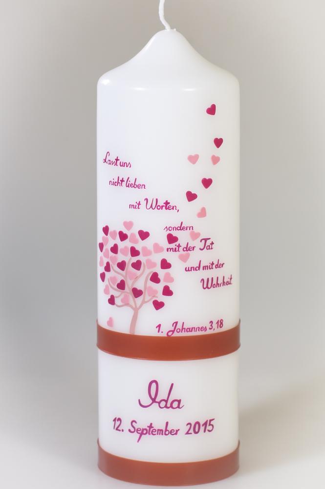 Taufkerze kleiner Herzbaum mit Taufspruch in weiß in der Farbe weiß  für nur 45,36€