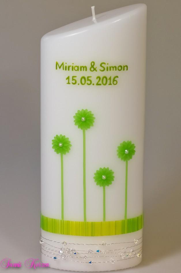Hochzeitskerze Blüten mit Strassdraht oval abg. in der Farbe weiß  für nur 29,00€