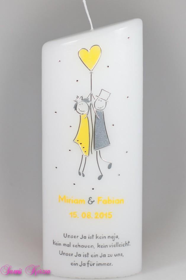 Hochzeitskerze Strichmännchen oval abg. in der Farbe weiß  für nur  36,00€