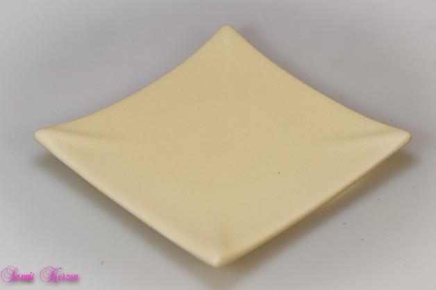 eckiger Keramikteller creme für nur  5,35€
