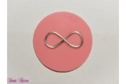 freie Farbwahl großer Wachs-Kreis mit Unendlichkeitszeichen